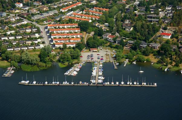 Haesselby Smaabaatshamn Marina