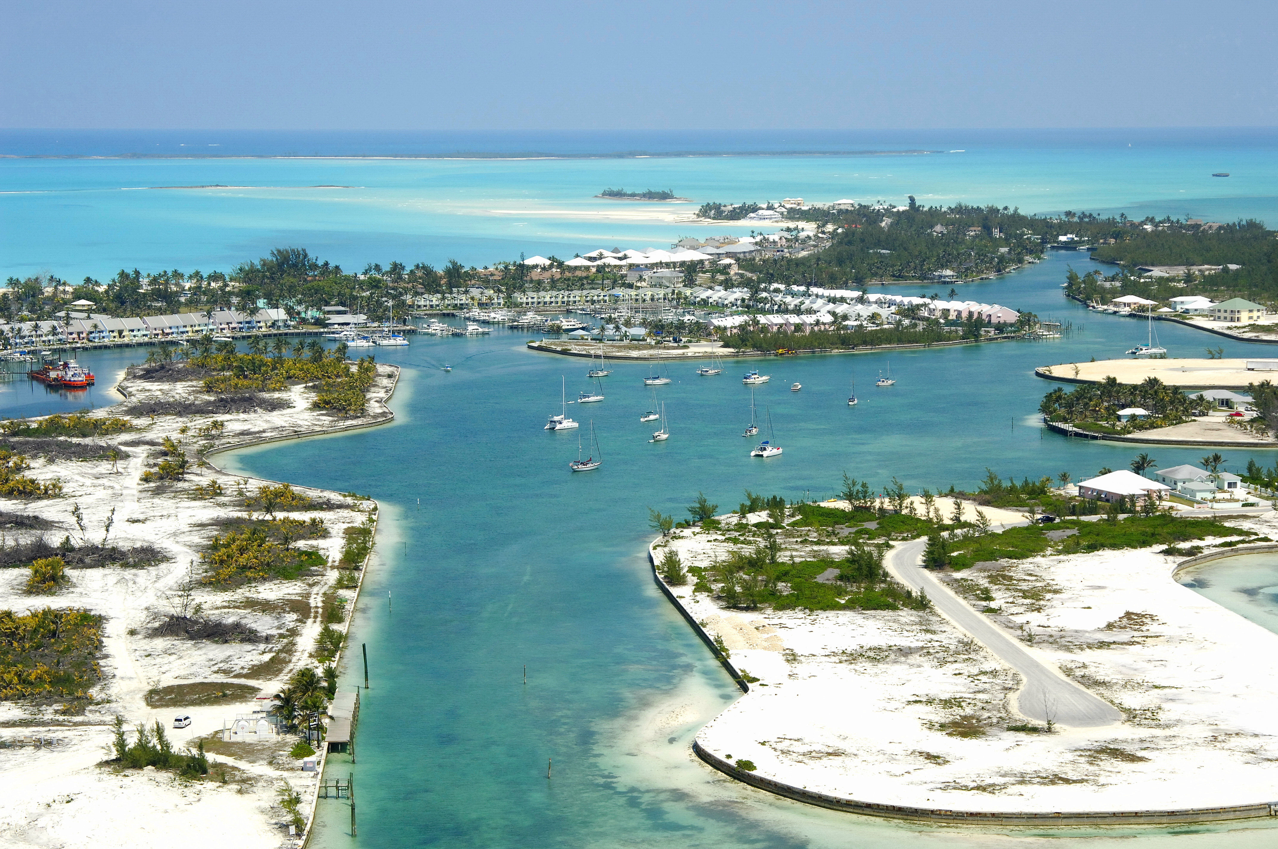 hidden treasures of the bahamas Hundreds of islands, each with tiny cays and channels, were perfect hiding  places for blackbeard and other pirates who plundered ships all along the  bahamas.