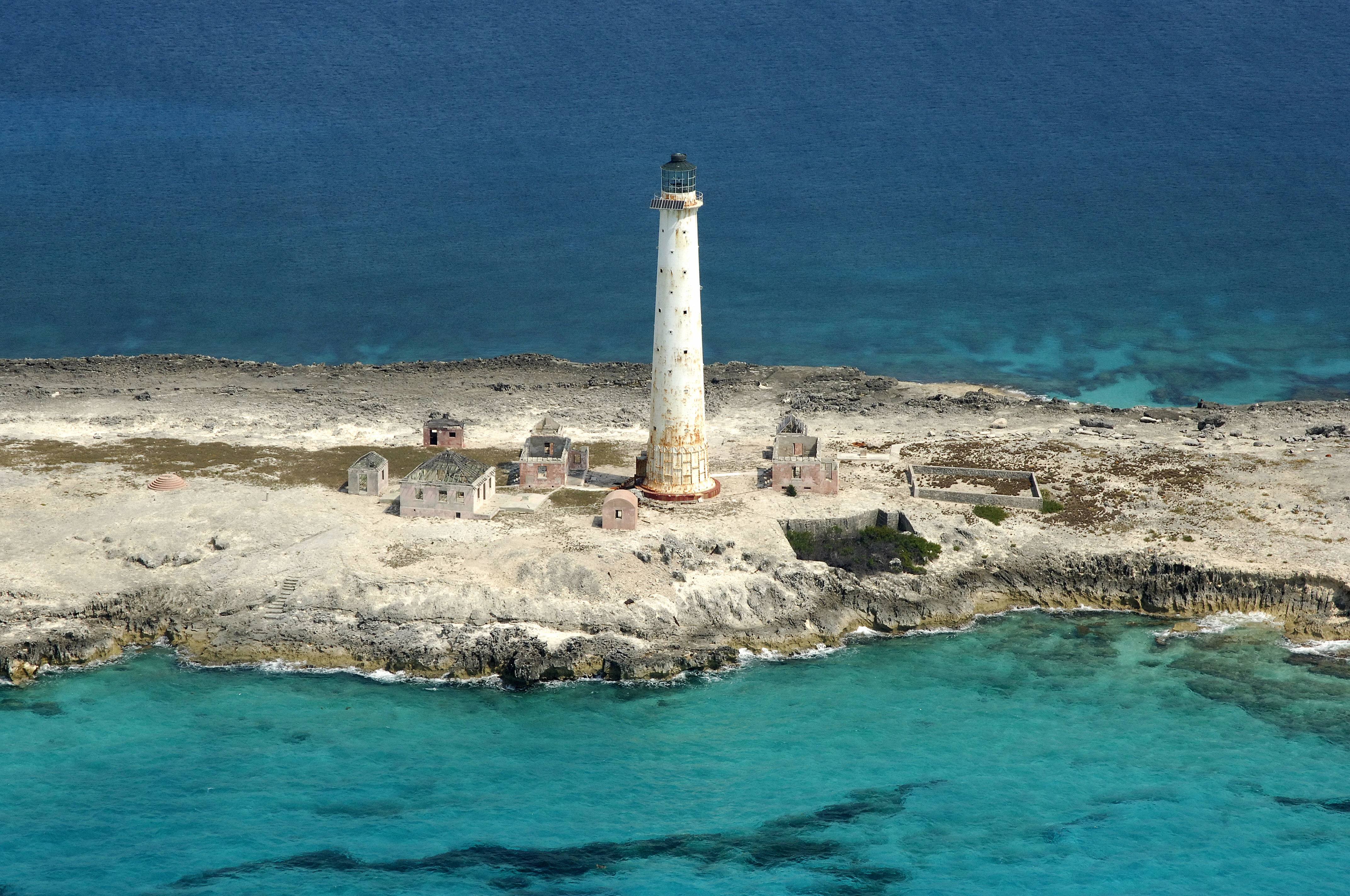 Great issac light great isaac cay lighthouse in bi bahamas great issac light great isaac cay lighthouse in bi bahamas lighthouse reviews phone number marinas geenschuldenfo Images