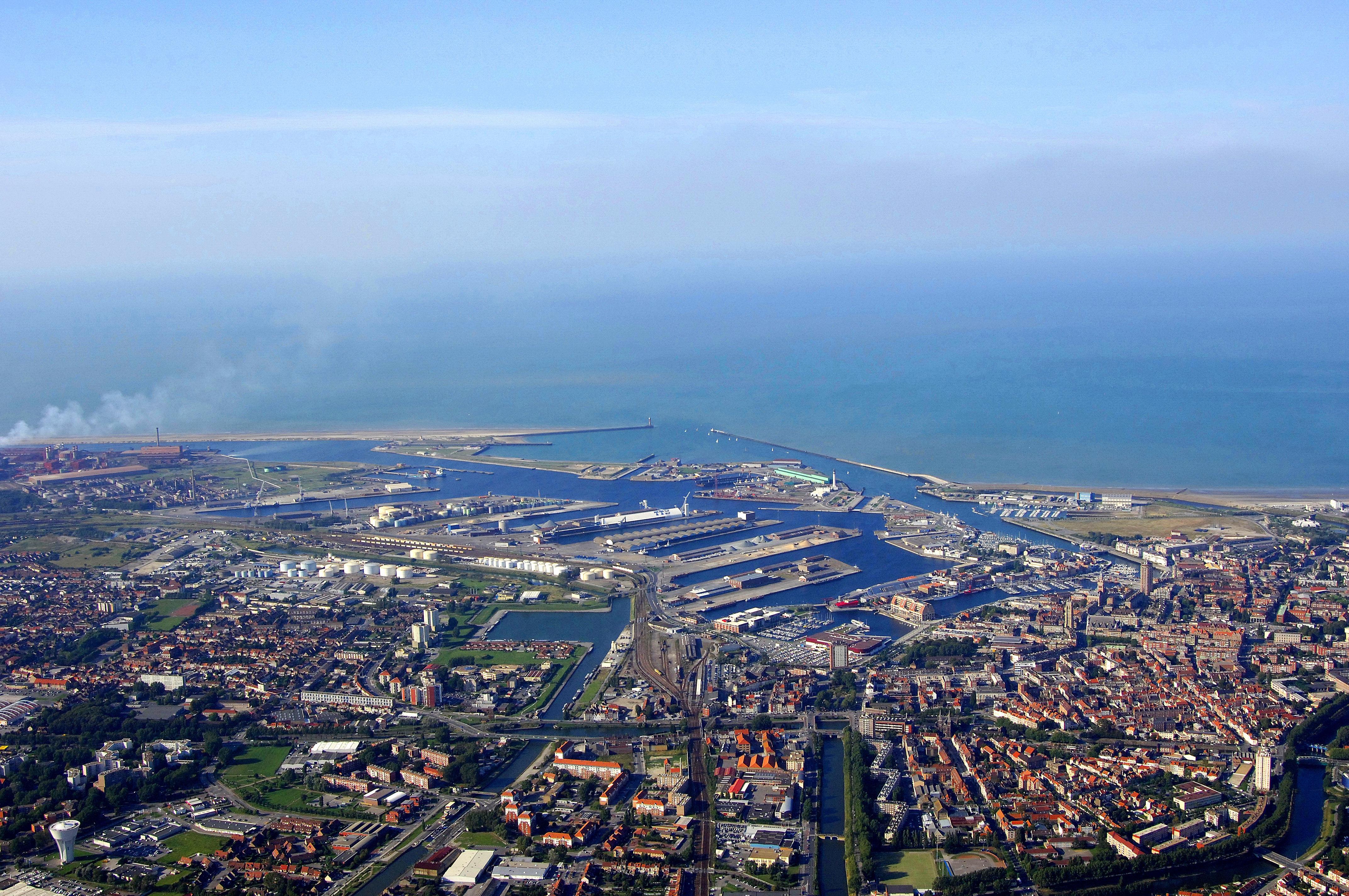Dunkerque harbor in dunkerque france harbor reviews - Mobilier de france dunkerque ...