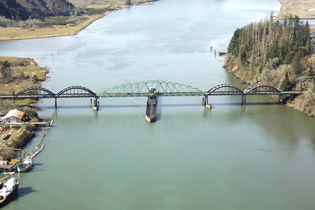 Umpqua River Swing Bridge