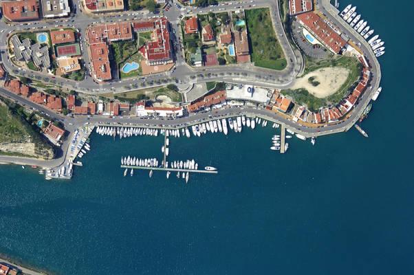 Ribera Del Puerto Marina