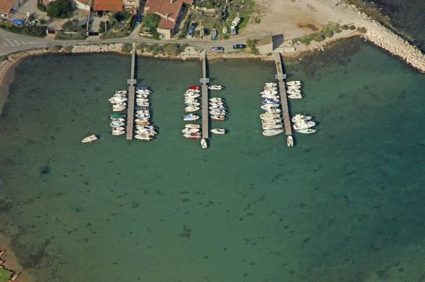 Les Laurons Marina
