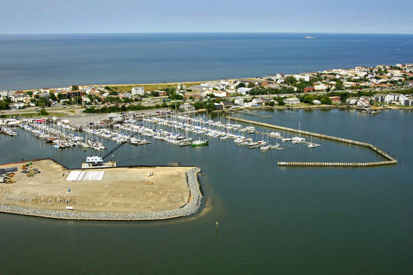 Willoughby Harbor Marina