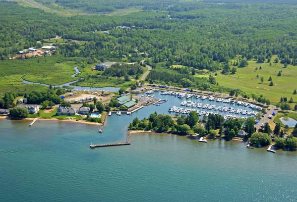 Madeline Island Yacht Club