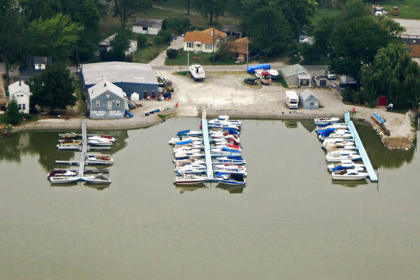 Pipe Creek Marina