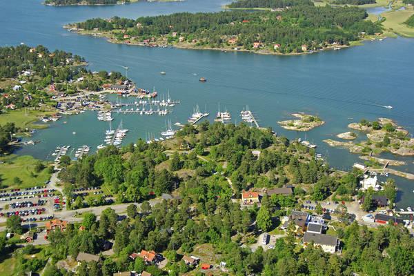 Arkoesund Baeckmansviken Marina