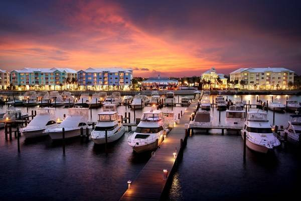 Harborage Yacht Club & Marina