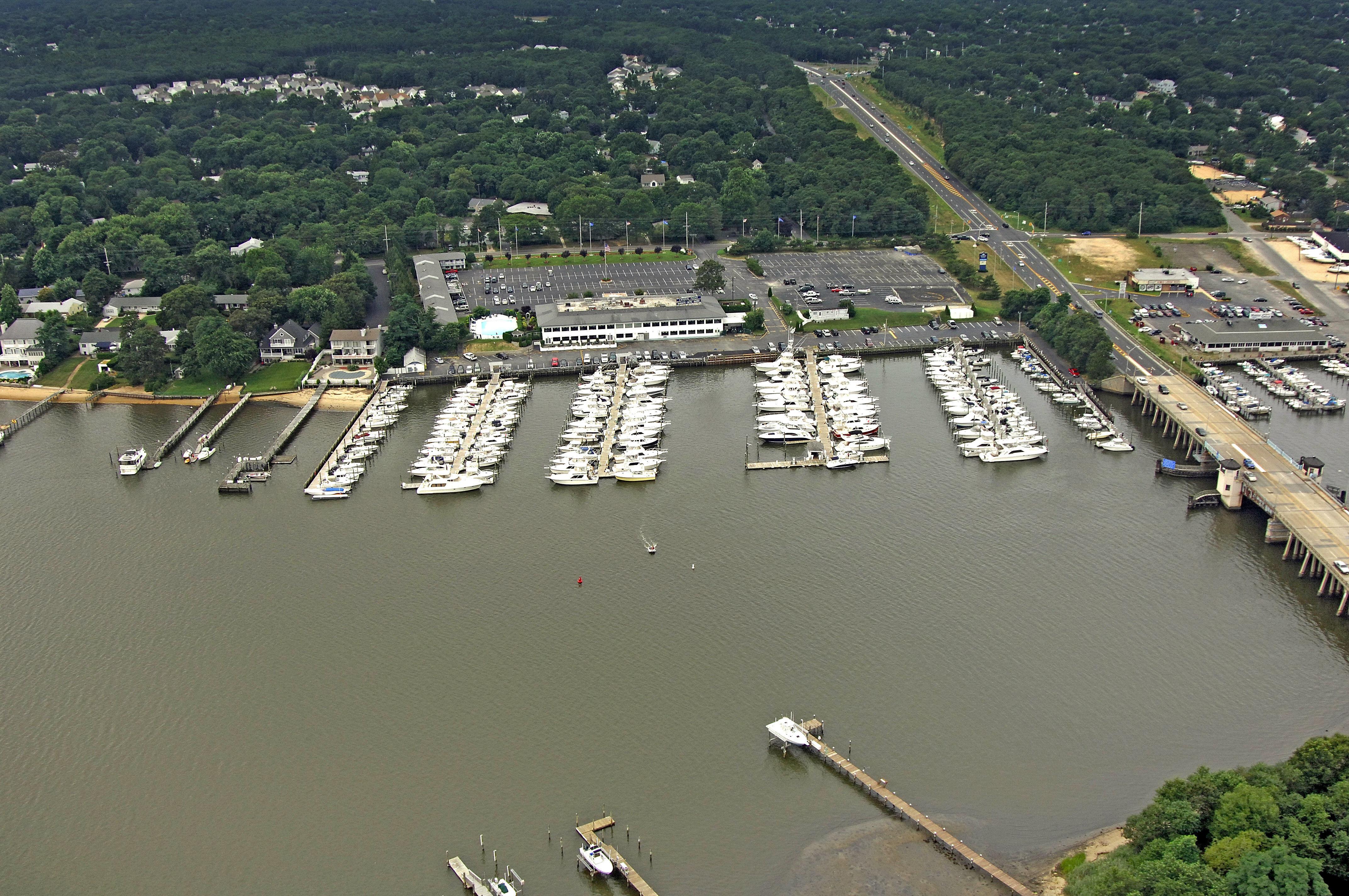 Safe Harbor Crystal Point in Pt Pleasant Boro, NJ, United