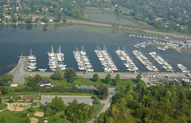 Collins Bay Marina