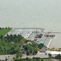 Grosse Pointe Farms Pier Park
