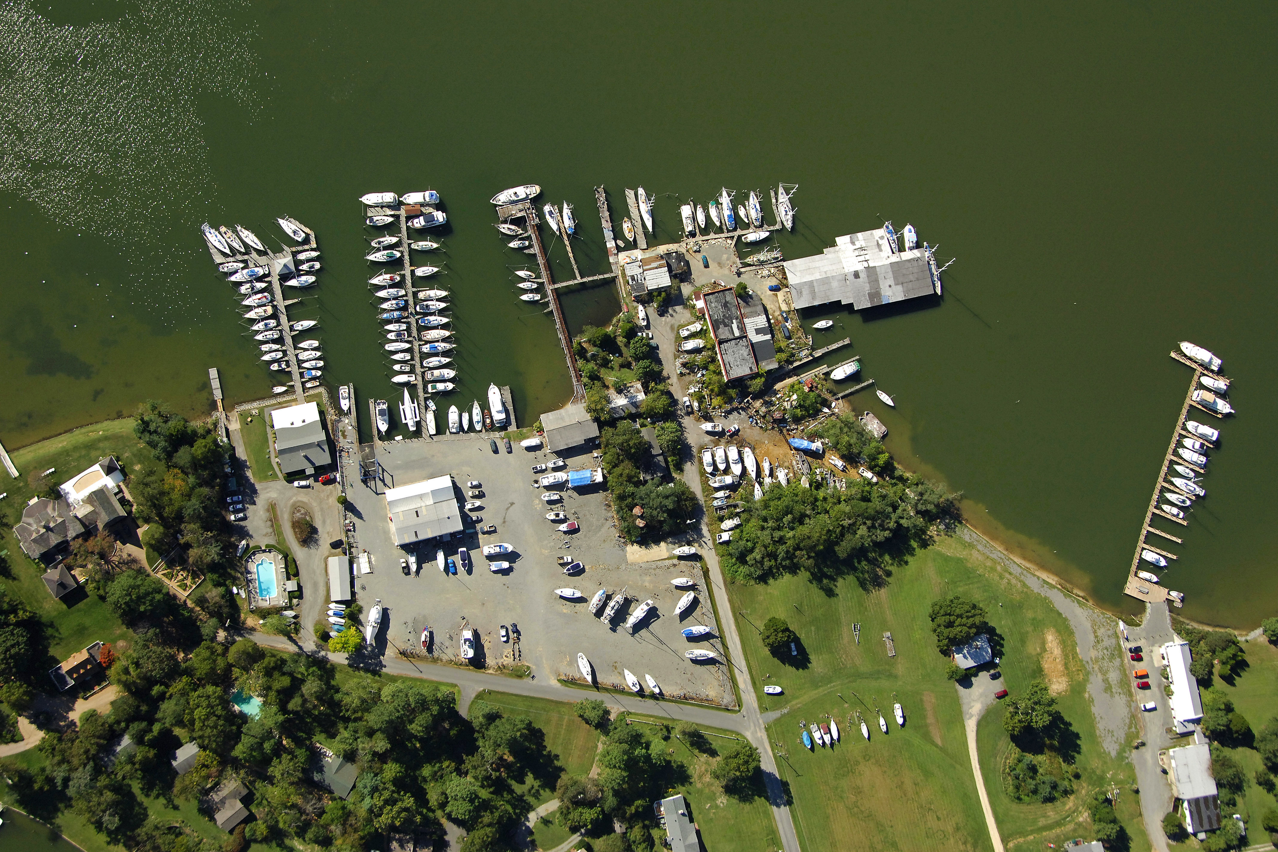 Rappahannock Yachts Sanders Yacht Yard In Irvington Va