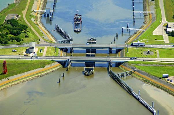 Afsluitdijk Bridge