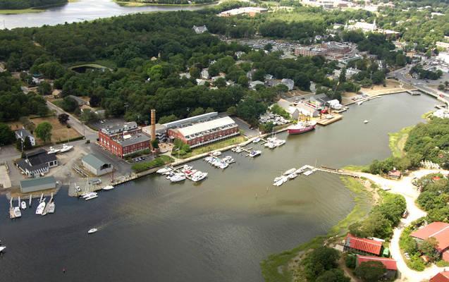 British Landing Condominiums and Yacht Club