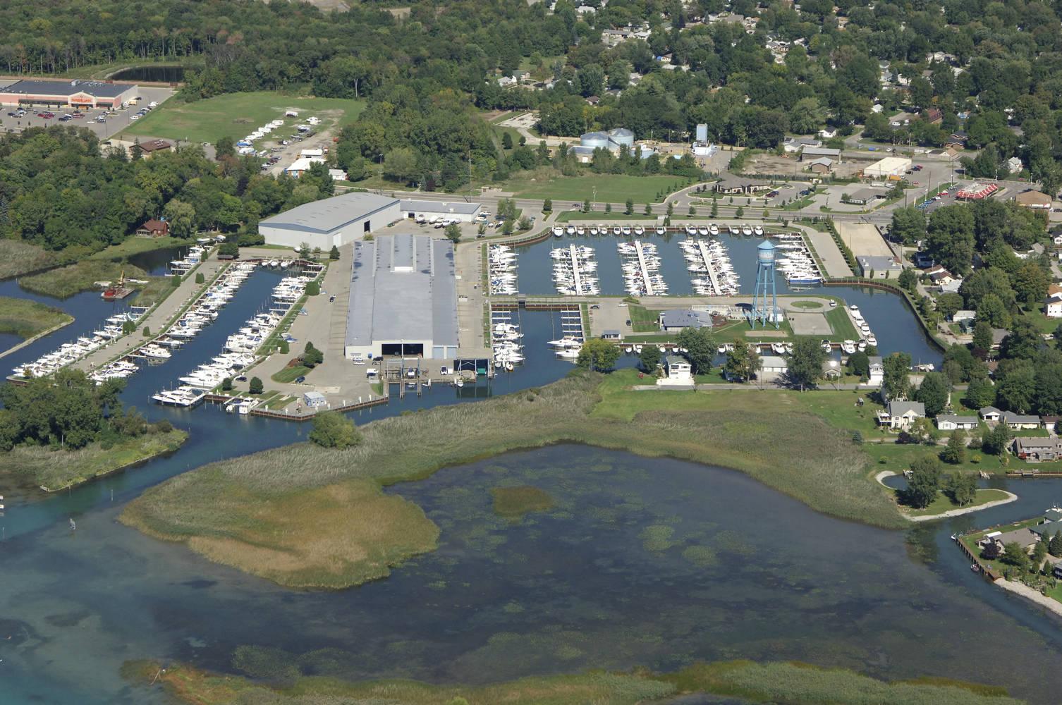 Boats Dock Michigan Algonac Harbour Club Water Tower Marina Postcard MI