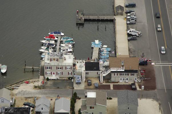 MarineMax Ship Bottom