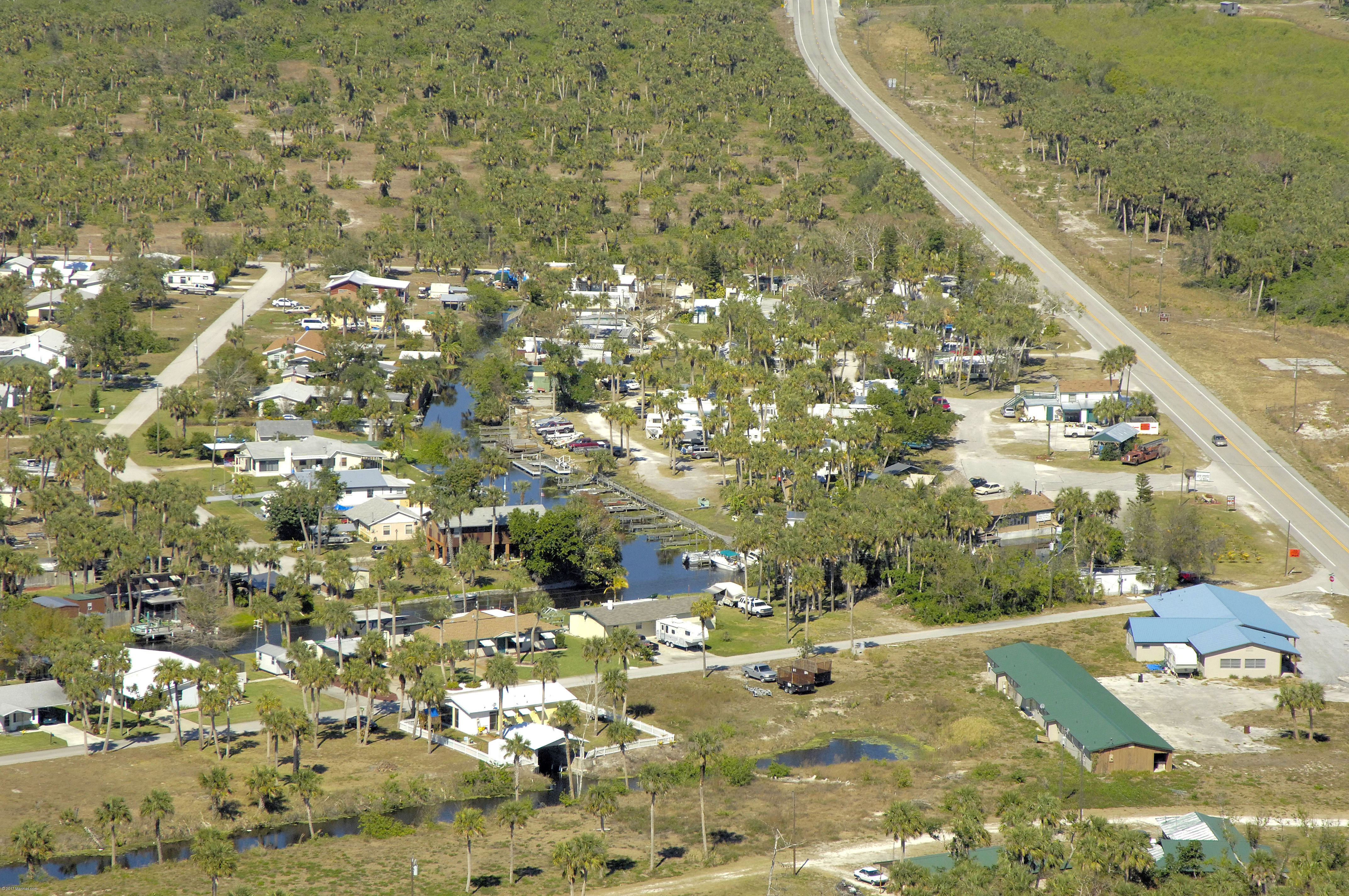 J s fish camp in okeechobee fl united states marina for Lake okeechobee fish camps