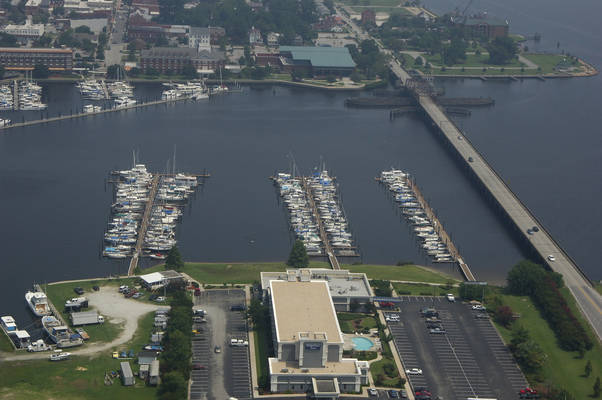 Bridge Pointe Marina