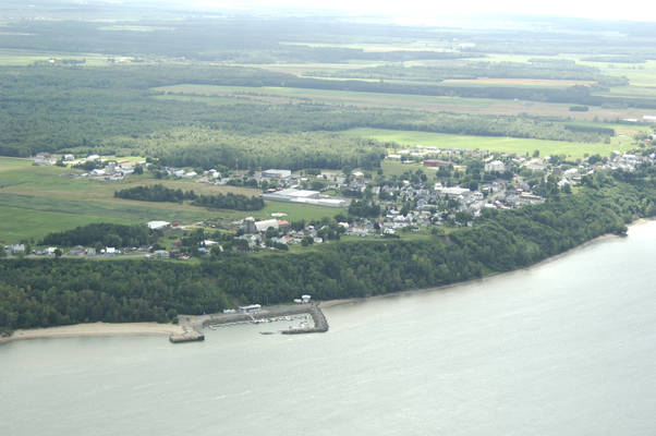 Deschaillons-sur-Saint-Laurent Harbour