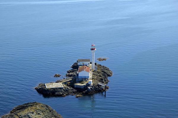 Sisters Islets Light