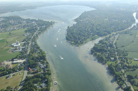 Bassin De Chambly Inlet