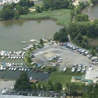 Sue Island Yacht Basin