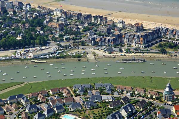 Cabourg Yacht Club Marina