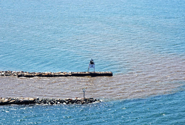 Ontonagon Harbor West Pierhead Lighthouse