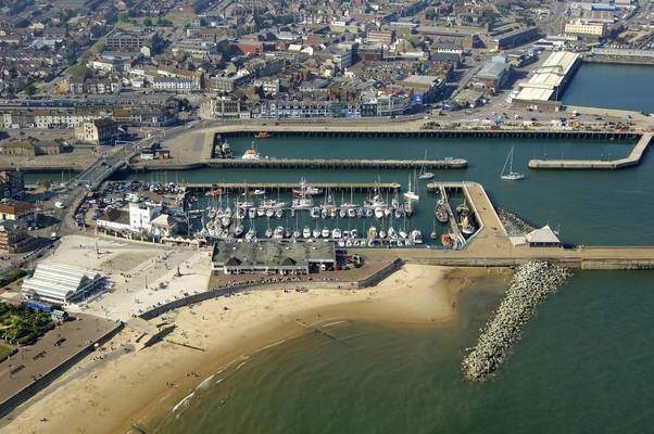 Royal Norfolk & Suffolk Yacht Club Marina