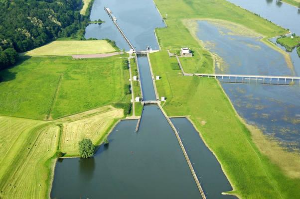Stuw En Sluis Te Driel Lock