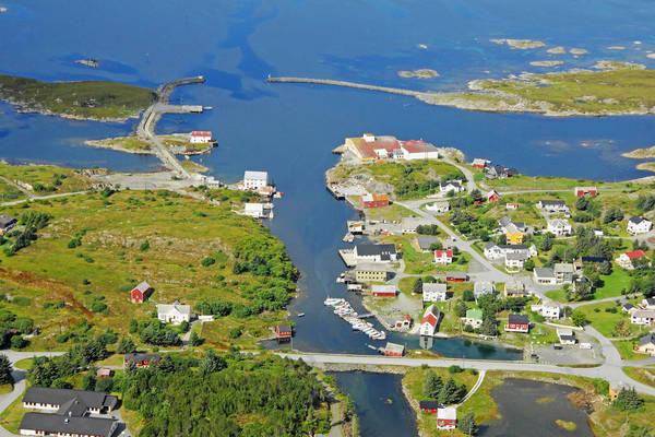 Dyrnesvagen Harbour