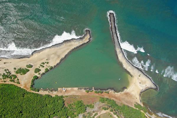 Hale'o Lono Harbour