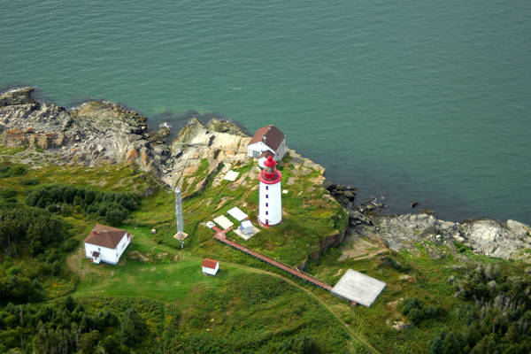 Ile Bicquette Lighthouse