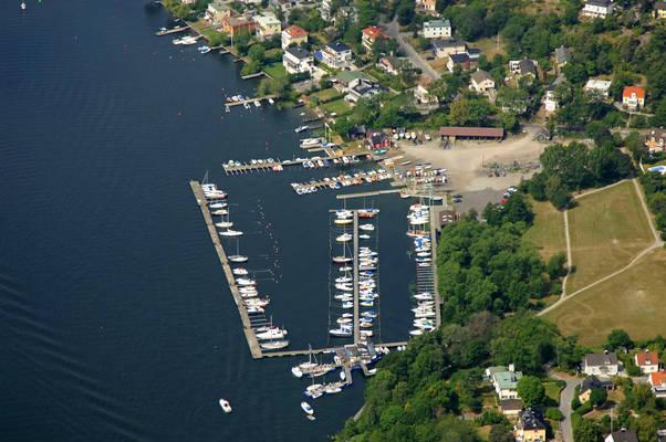 Aalsten Smaabaatshamn Marina