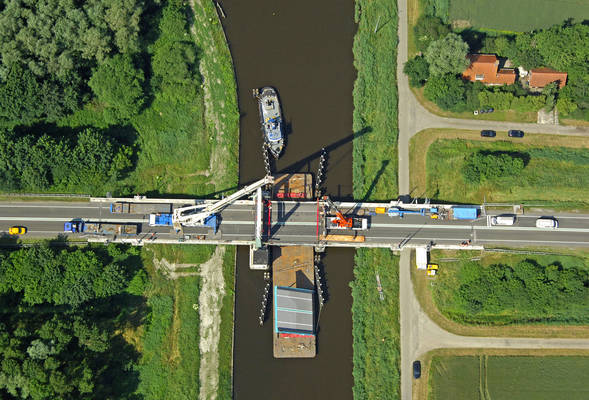 Winschoeterdiep Canal Bridge 2