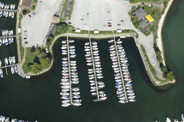 Bluffer's Park Yacht Club