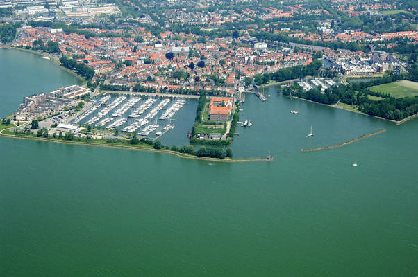 Hoorn Harbor