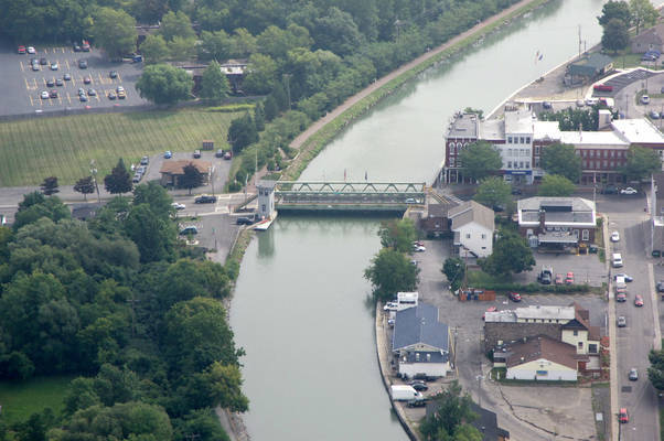 North Main Street Lift Bridge
