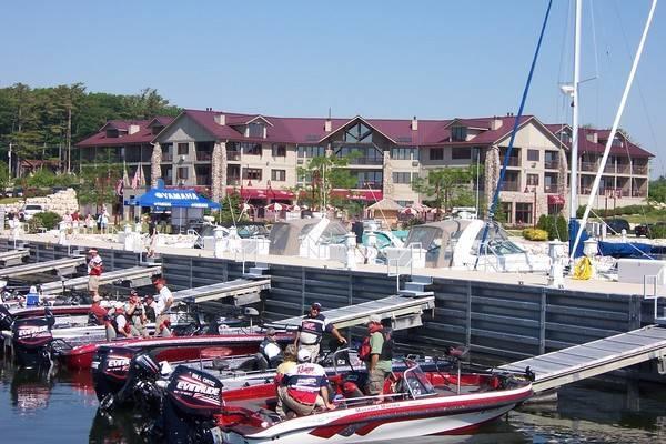 Wave Pointe Marina & Resort