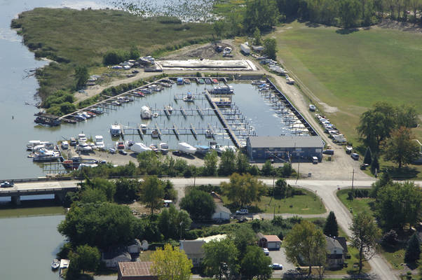 Lake Pointe Marina