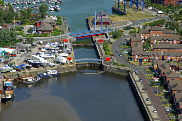 Navigation Way Swing Bridge