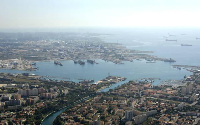 Port Petrolier