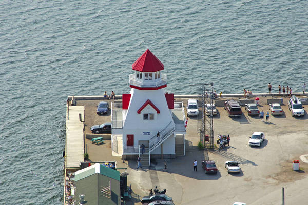 Pointe Du Chene Light
