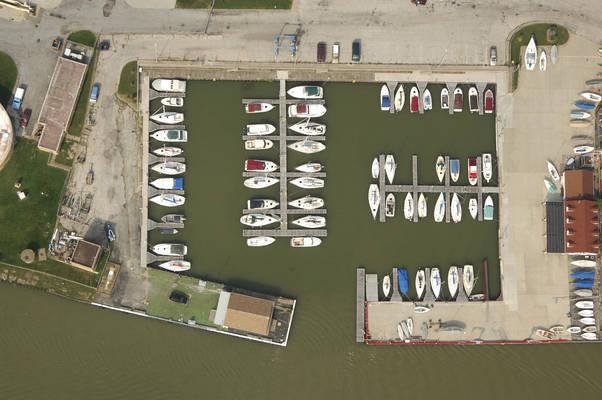 Lorain Sailing Club & Yacht Club