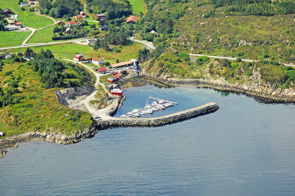 Froya Tuvneset Yacht Harbour