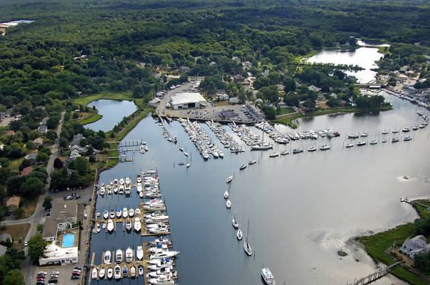 Brewer Wickford Cove Marina