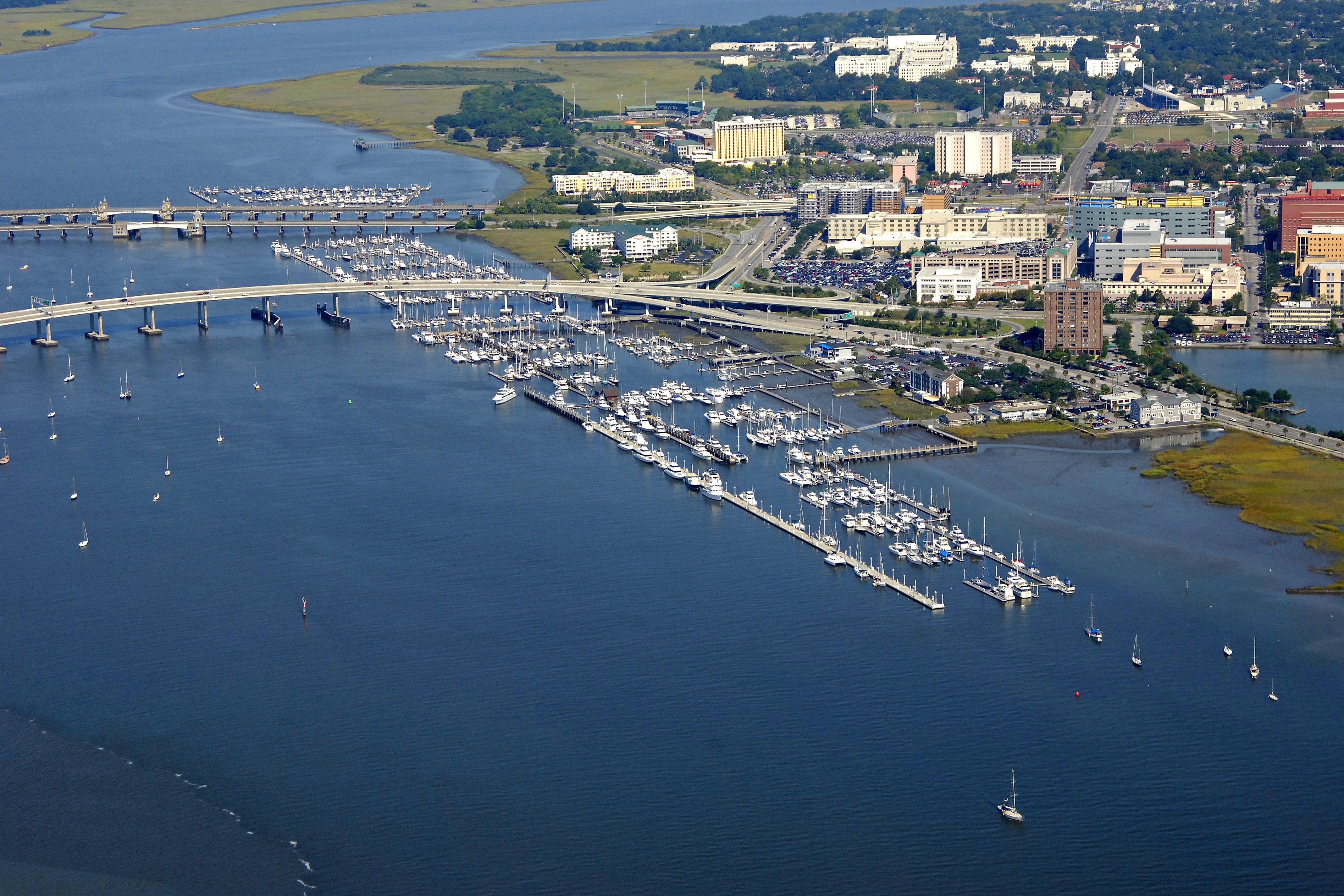 Charleston Harbor Ed50fbe4dc57ef8f66f1ed65764b243b4f41646047ee3603e160cf5d8e3a3f82