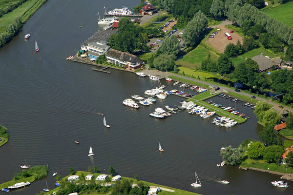 Eernewoude Passanten Haven Yacht Harbour