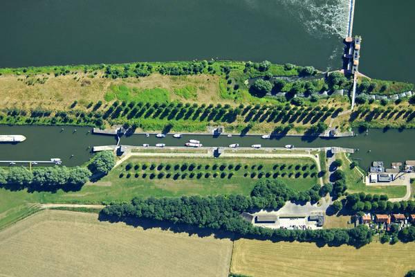Roermond Lock