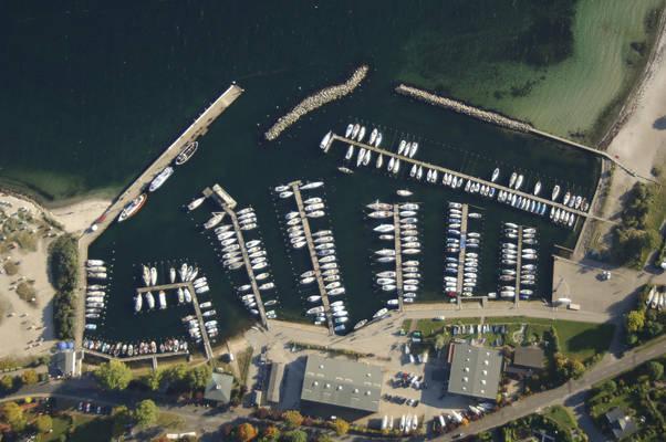 Strande Harbour